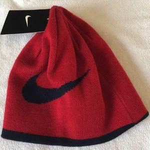 e4b9616fb NWT Nike Boys beanie hat reversible red blue